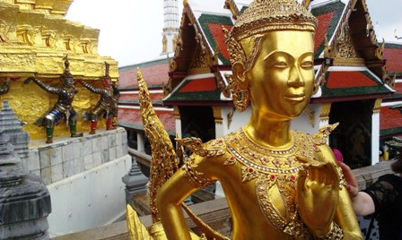 Hipmunk City Love: How to Survive a Visit to Bangkok's Grand Palace